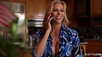 5kporn Desperate Busty Housewife Alexis Fawx Banged By Contruction Worker