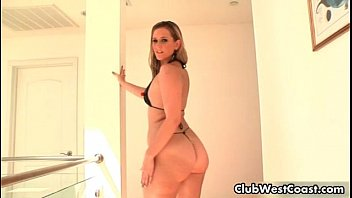 momxxxx Thick white girl with a big ass sucking