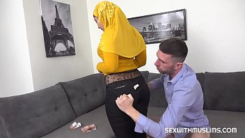 pornhubn Innocent blowjob from busty Muslim