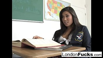 japanhub London has to stay after class