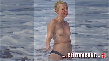 iyot Miley Cyrus Flaunting Her Hot Nude Body Again