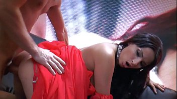 thiendia Anissa Kate hot in red