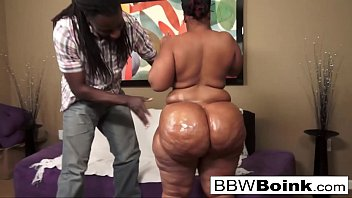 fantasystudiox Ebony babe with huge ass gets fucked on the couch