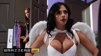 porn4k Hot And Mean - &lparAriella Ferrerama Isis Love&rpar - MILF Witches Part 1 - Brazzers