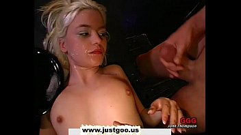 xxxvedio Tiny young blondie gets her pretty face covered with man juice