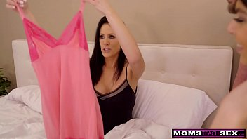 faking com Cumming With Her Step Son And Daughter This Mothers Day S30E6