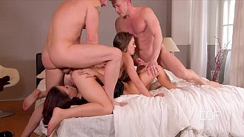 bumsen DDF Network - 2 Bros fuck a couple of super sexy Hoes
