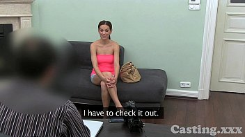 eporne Casting HD Flexible young girl in casting