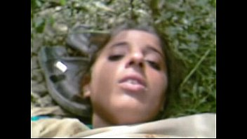 newsfilter org Desi GF Getting Nicely Fuked by BF In Forest wid Audio