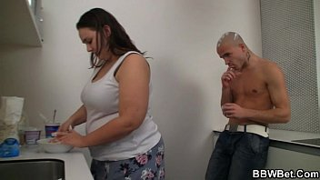 geishaslayer Fat chick and her dude play with ice-cream and fuck
