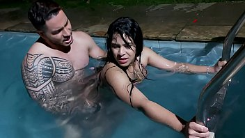 auroratheteddyb I took the big ass girl in the pool - Hugo Belfort - Natalia Prado