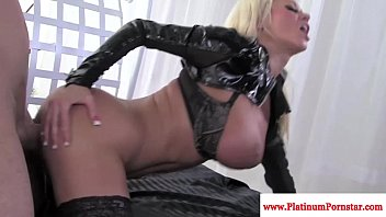 pornfreeze Nikita Von James gets mouthful of cum