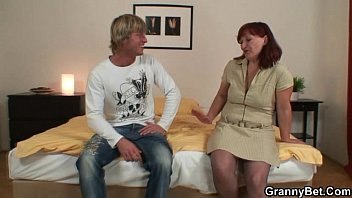 pornehub He lures her into cock sucking and riding