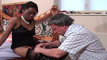 jpsex Faceful of black pussy for older white gent