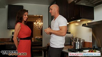 tamilxxx Hot milf Veronica Avluv gets big jugs fucked