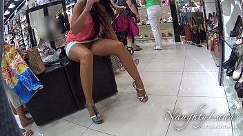 axxxteca No Panty Shopping