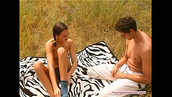 chatterbate young girls small tits outdoors