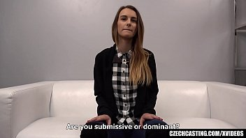 xmissy Submissive Model Became Noisy when Felt the Cock