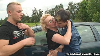xxxsexvideos They pick up her from gas station and fuck in the fields