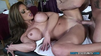 bustygizelle Squirting milf drilled on the massage table
