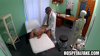 x video com Doctor gets his cock sucked and fuckho gets fucked while her husband waits 720 6
