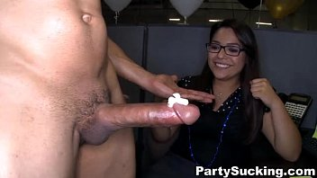 Giving Head Party with Naughty Ladies