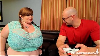 mylked BBW Gamer Lexxxi Luxe Gets Her Pussy and Mouth Controlled