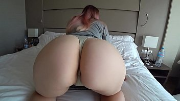 brezzar com Young cousin with big ass fucks passionately
