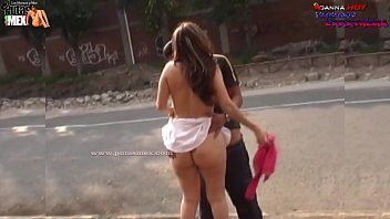 hotmovies THEY SURPRISE IT HAVING SEX IN THE STREET AND IT ESCAPES OF THE POLICE THE PROSTITUTE OF MEXICO DANNA HOT