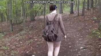 paizuri Fucked and Cum shot his girlfriend in the forest
