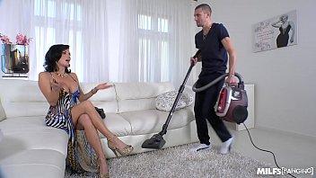 defloration com Milf Veronica Avluv crazy intense Fuck with Power Squirting