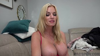 indinsex Hot Mom Distracts Son From Fortnite With Her Pussy