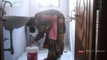 xvide0 Hot Surekha Aunty Romance With Young College Student