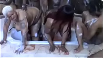 certinaaa Bath Time ORGY preview