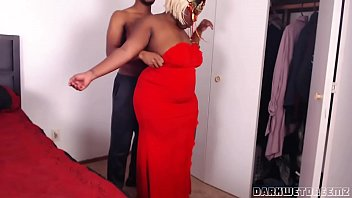sexofilm com Big Booty Stepmom Needs Help With Her Dress