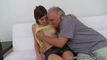 filmpornogratis Old Goes Young - Old guy needs to play with a cute young pussy