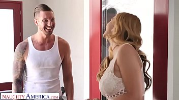 xvidoes Naughty America Brenda Phillips &lparSarah Vandella&rpar give the AC guy a blow