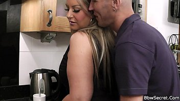 bon99 Husband caught cheating in the kitchen