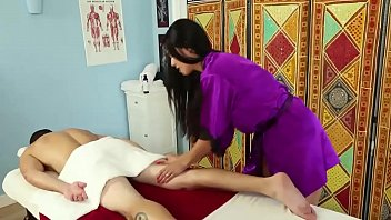 Masseuse brte slut rubdown