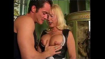 freepprn Amazing milf with big tits sucked and slammed