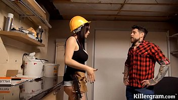 hardx Sexy big boobs babe plays with the handymans big tool