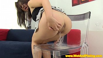pinkyxxx Urine drinking babe quenching her pee thirst