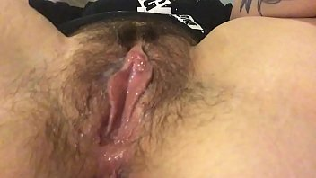 lustporn Rub my hairy clit and get my fingers wet
