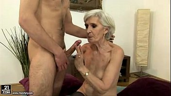 caseykisses Sexy Blonde Mature Fucking And Sucking a Young Guy