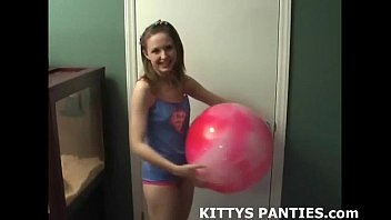 sexfight Petite belly dancer teen Kitty teasing and toying