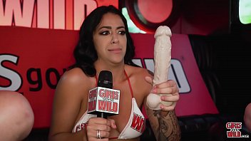 fuqer GIRLS GONE WILD - The Hostess With The Mostestma Mia Martinezma Plays With Herself