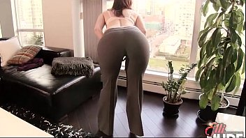 softcore Showing Off for the Neighbour