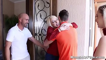 xvideis Naughty Girlfriend Sierra Nicole Opens Her Wet Cooze For Boyfriends Papa