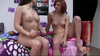 poeno Two amateur teens fucking with young guy
