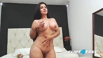 xxarxx Beautiful Sarah Harper Reveals Her Big Tits and Ass with Striptease